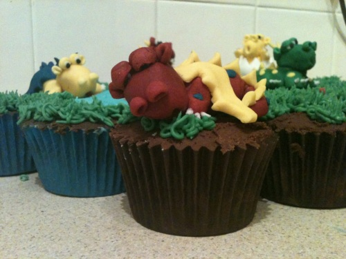 sleeping dragon cupcake