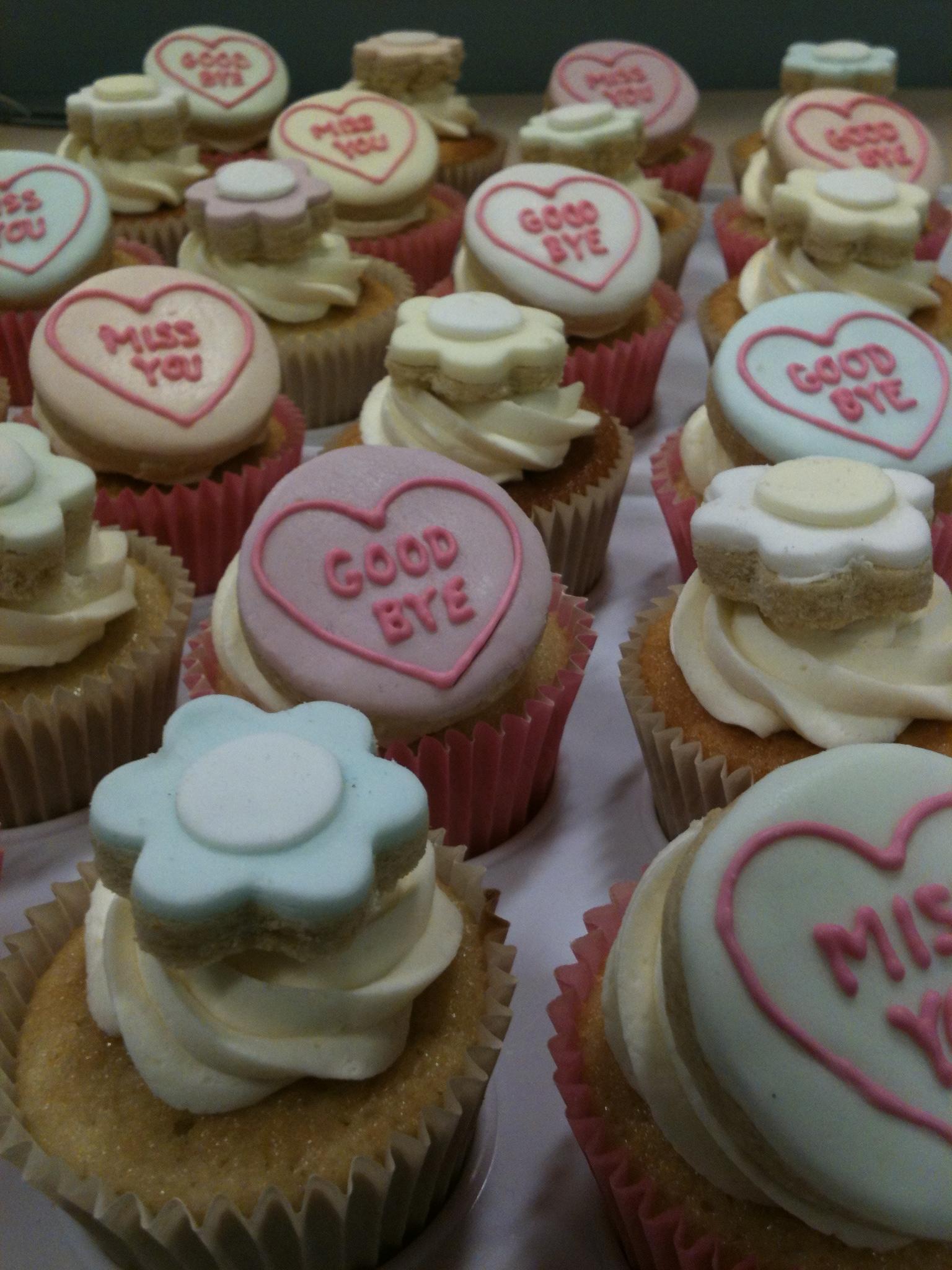 love hearts leaving cupcakes