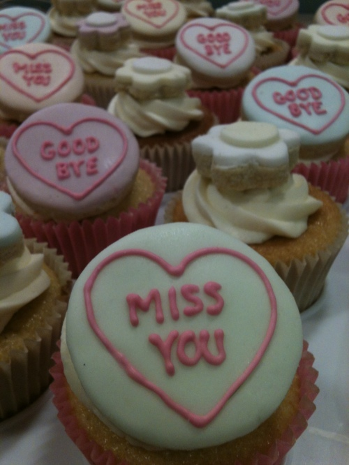 miss you love hearts leaving cupcakes