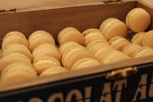 box of cashew but macarons