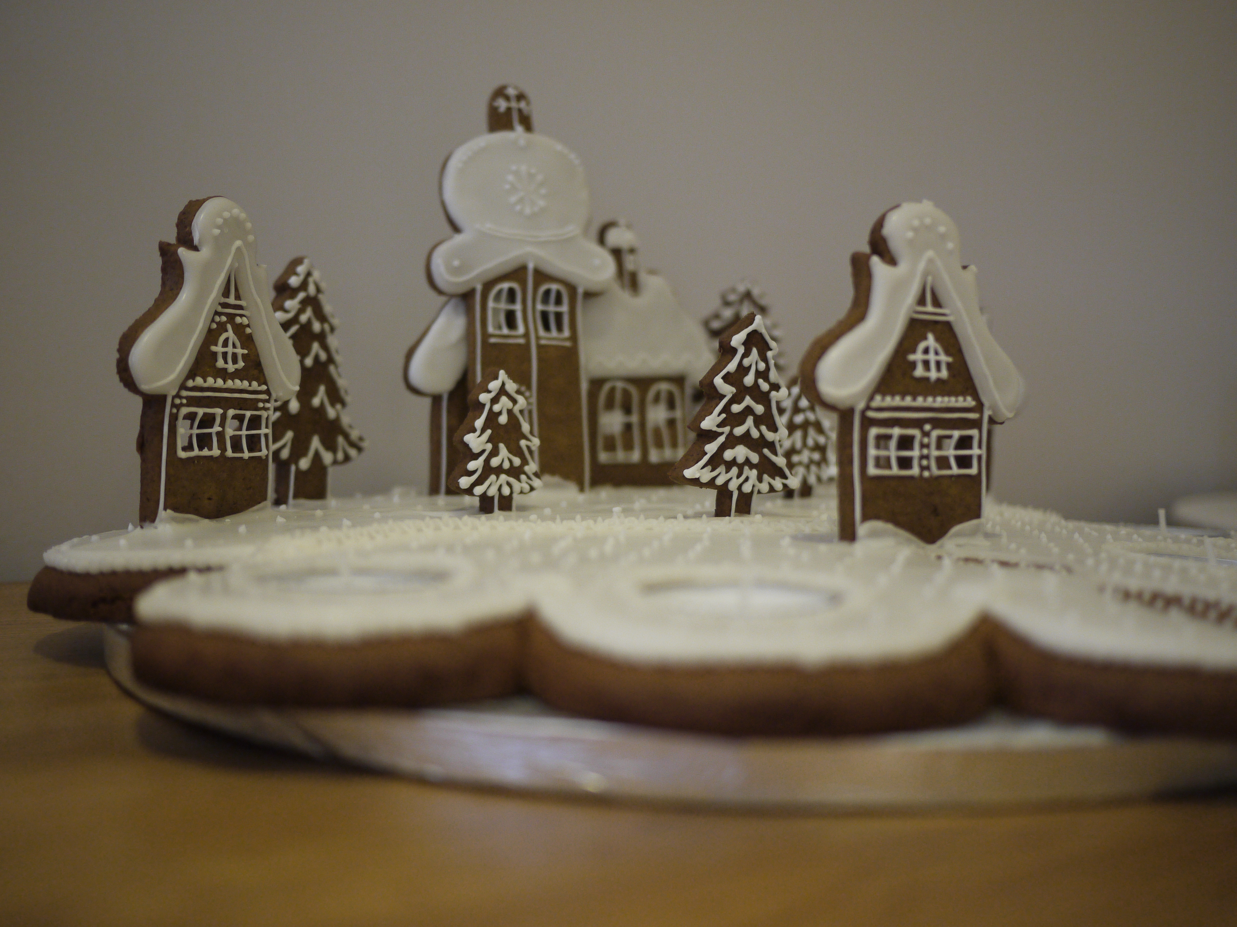 Gingerbread Village and Hearts | Gloverly Cupcakes