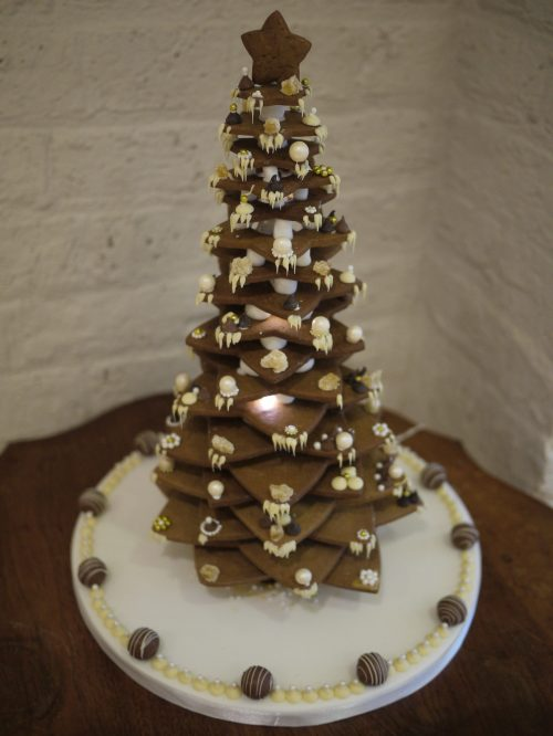 Gingerbread Star Tree Gloverly Cupcakes